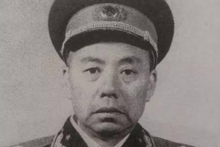 苏鲁:浏阳人,1955年,他在看仓库,突然被叫到授衔现场,总理:授予你少将军衔