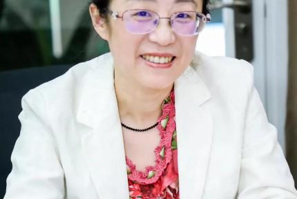 滕昭君:永远保持一份敬畏之心 用勤奋与专注妆点律政人生