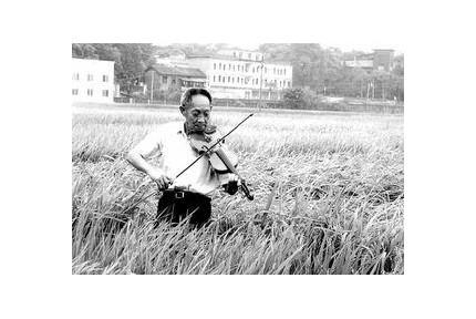 """袁隆平:""""最有品就是在稻田里拉小提琴"""",25张图了解袁隆平的另一面"""